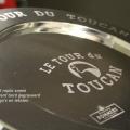 tour du toucan verzilverd bord gegraveerd met logo's en teksten rondom © 2015 repko sneek