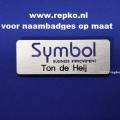 naambadges-met-gravure-en-logo-www.repko-1-600x399