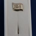 Zilveren-erelidspeld-NOMI2-600x900